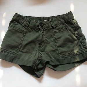 green shorts, perfect for summer!!!